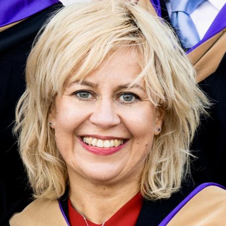37. Anna Tomowicz